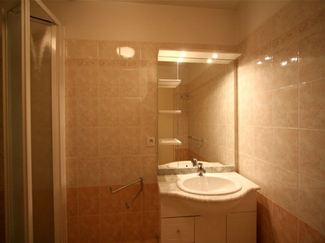 Centre Riviera Two bedroom CANNES