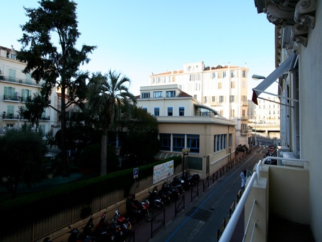 ** One bedroom CANNES