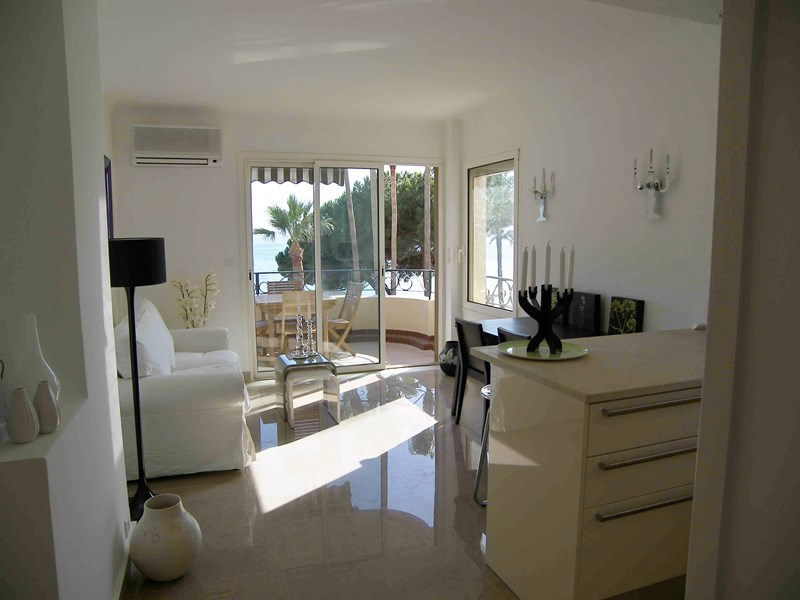 location 81 DK Cannes ( Two bedroom )